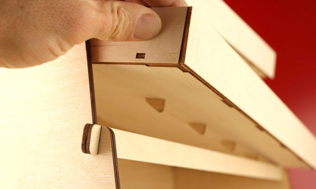 Laserbeest houten display lasersnijden