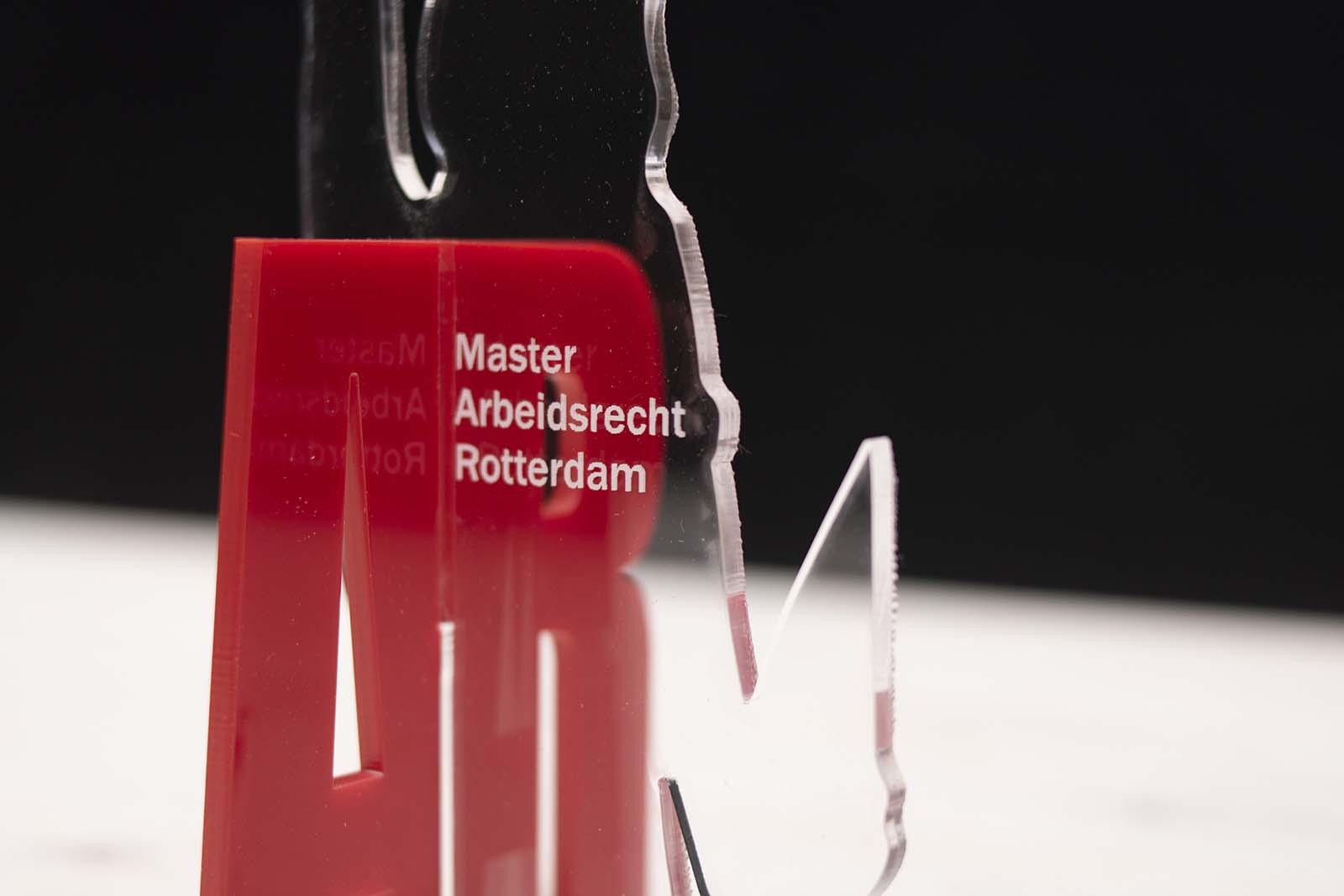 Laserbeest ontwerp laten maken acrylaat