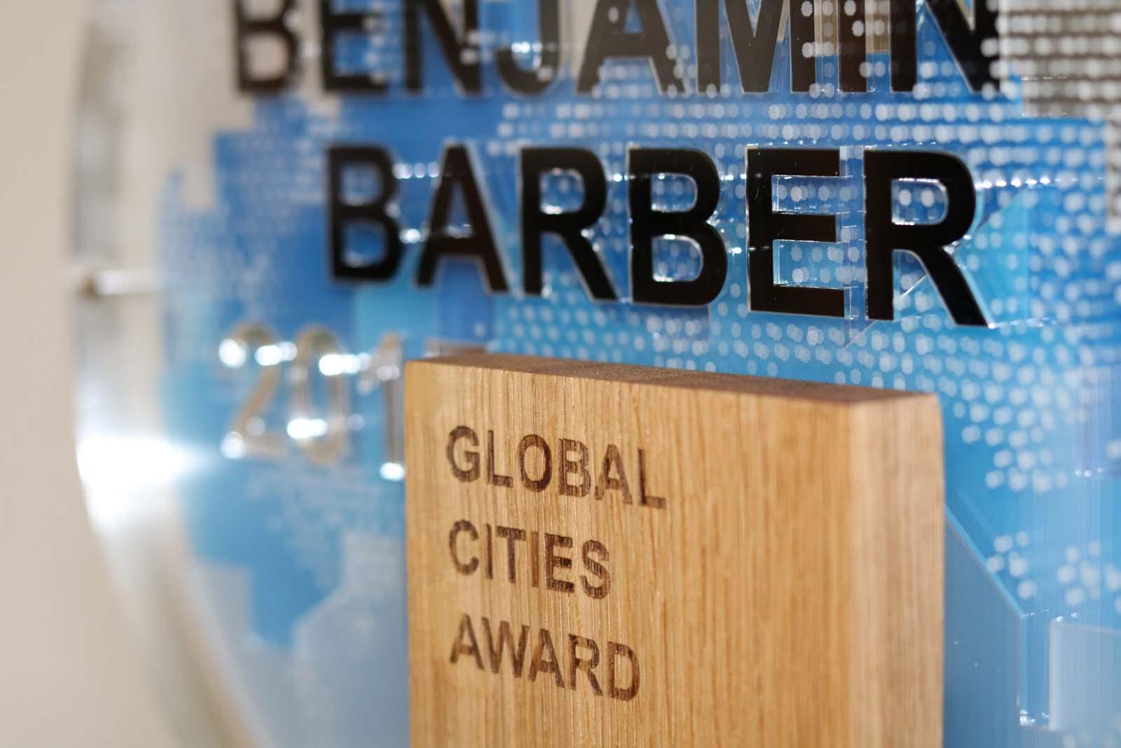Laserbeest award ontwerp laten maken