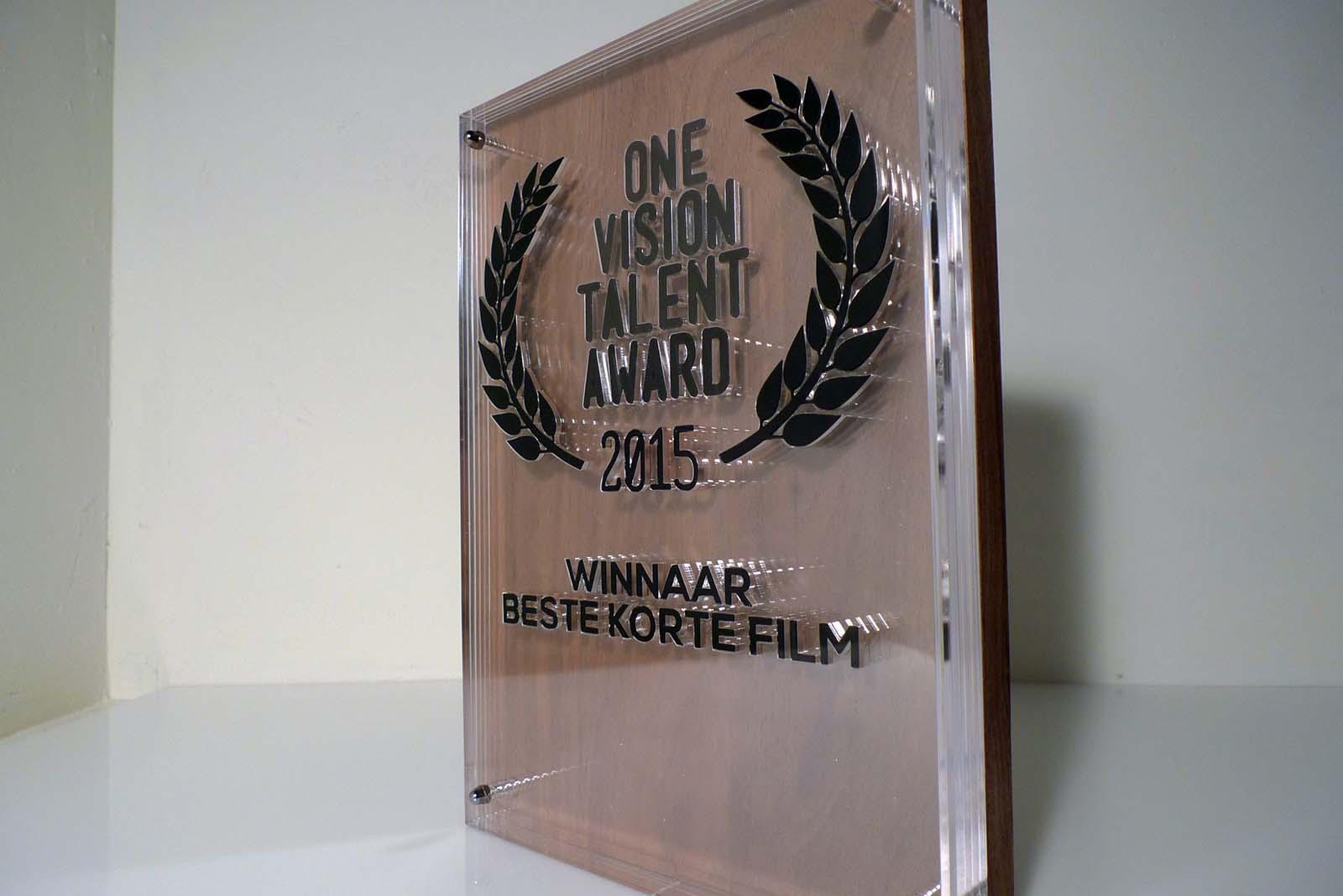 Laserbeest award ontwerp laten maken op maat