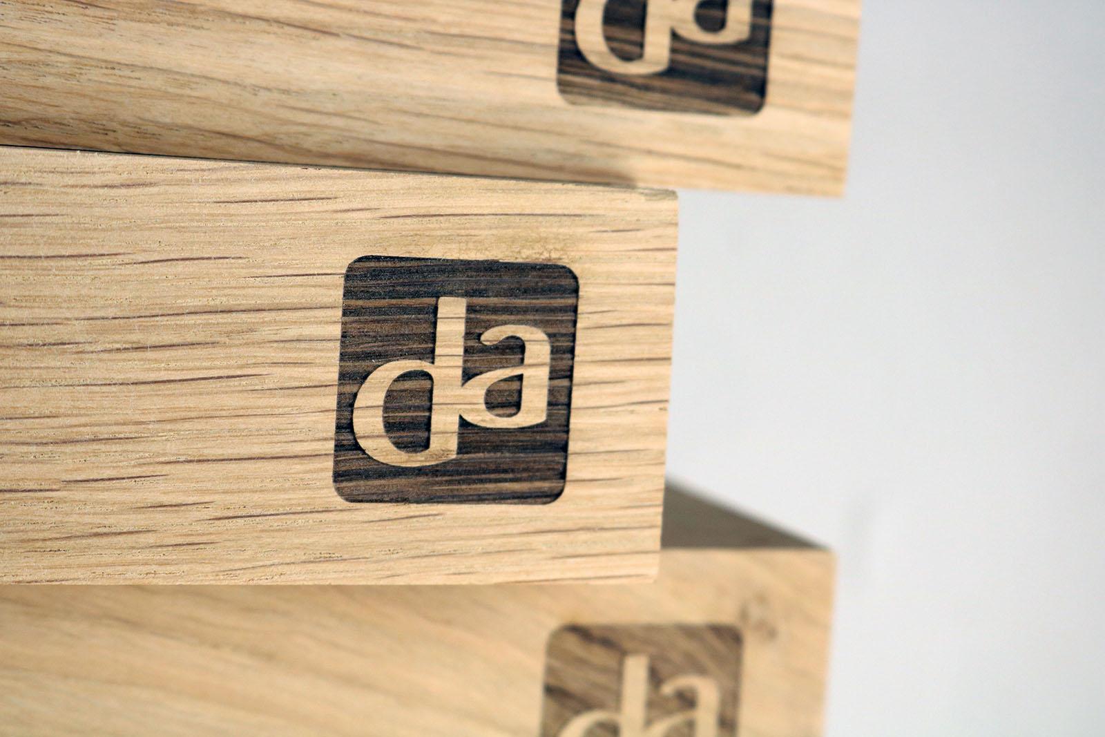 DA Laserbeest graveren houten display